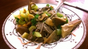 Soba noodles with celery, garlic and mushrooms.